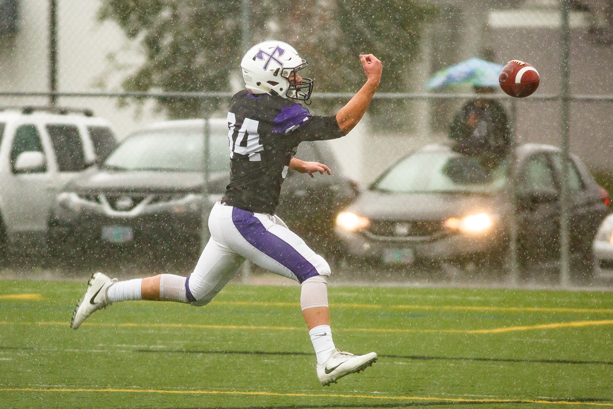 South Eugene receiver Isaac Reyna (#34) misses a long pass thrown to him. The game had been postponed from Friday due to unhealthy levels of smoke in the atmosphere due to nearby forest fires. Photo by Dillon Vibes