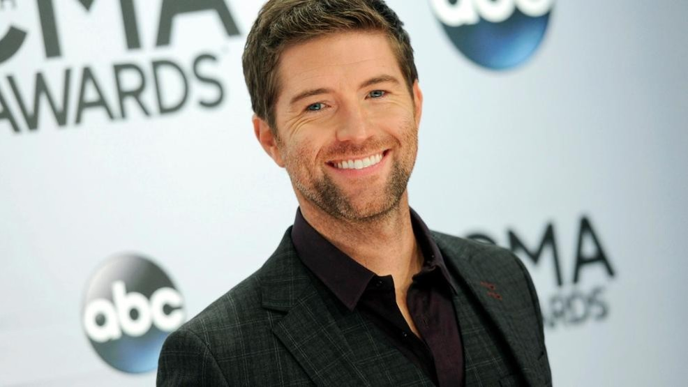 Bus carrying road crew for country artist Josh Turner drove off cliff, ejected two people