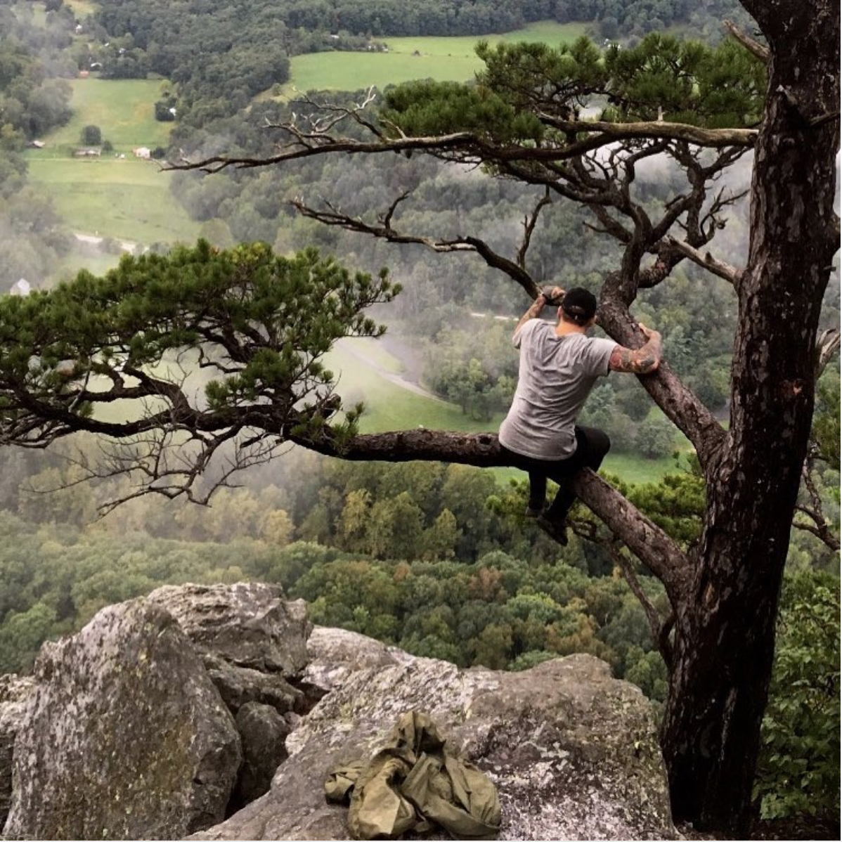Seneca Rock in West Virginia is just 3.5 hours outside of D.C., but the{ }Spruce Knob-Seneca Rocks National Recreation Area has options for everyone. If you choose to hike though, the view is definitely worth it. (Image via @scilliansaintt)