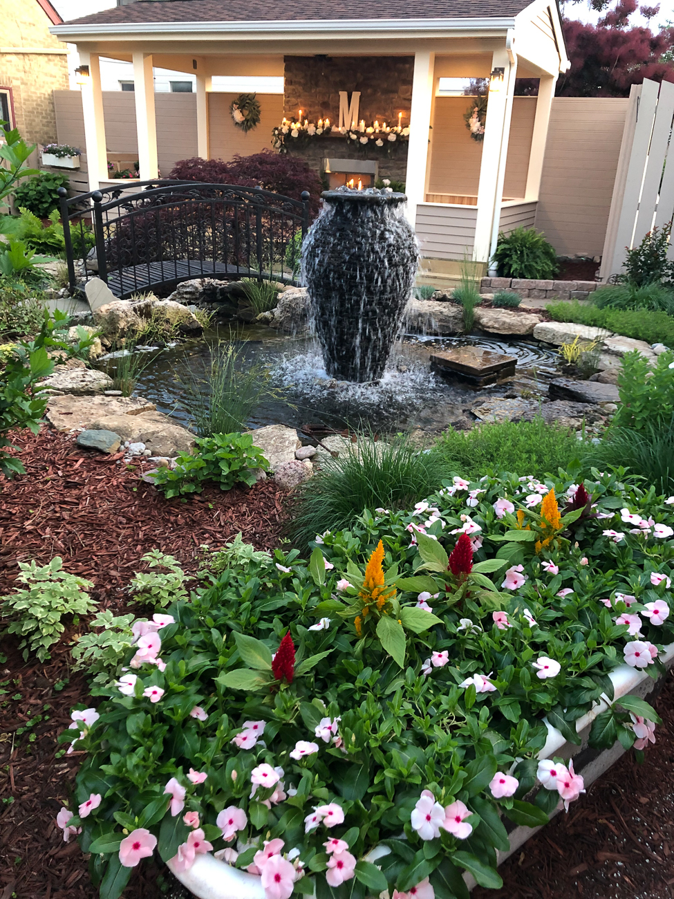 The courtyard grounds are beautiful during seasonal months. / Image courtesy of Weller Haus // Published: 1.8.21