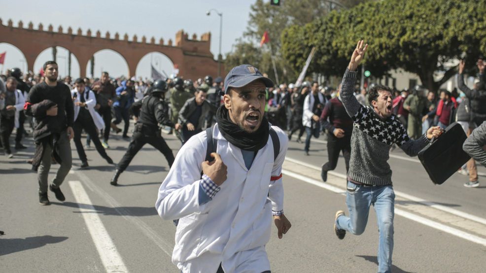 Moroccan police crackdown on protesting teachers
