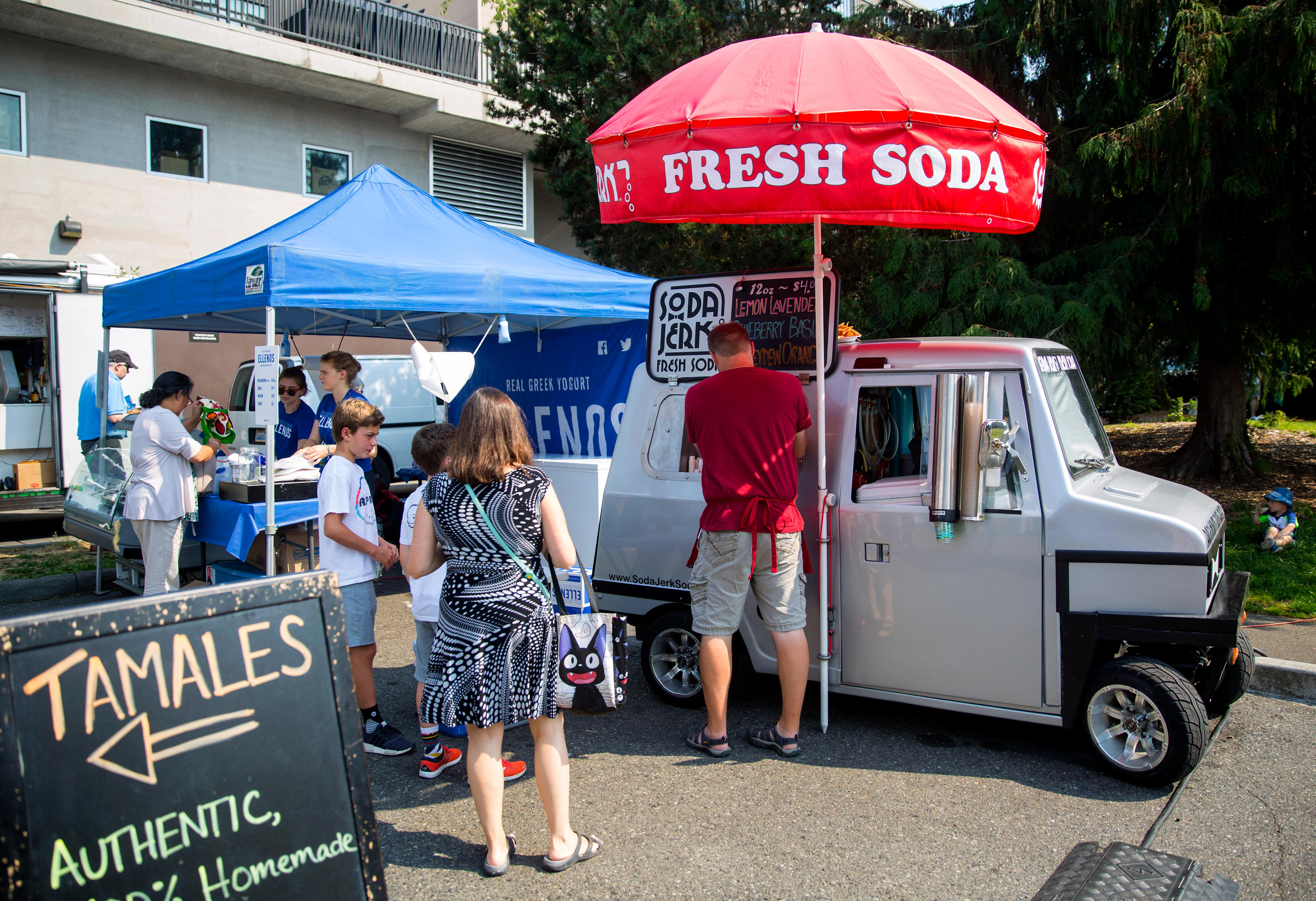 Soda Jerk ditches the sugary syrups, making soda from fresh ingredients like real fruit and natural cane sugar, and proudly displays the ingredients on the side of their truck. (Image: Sy Bean / Seattle Refined)