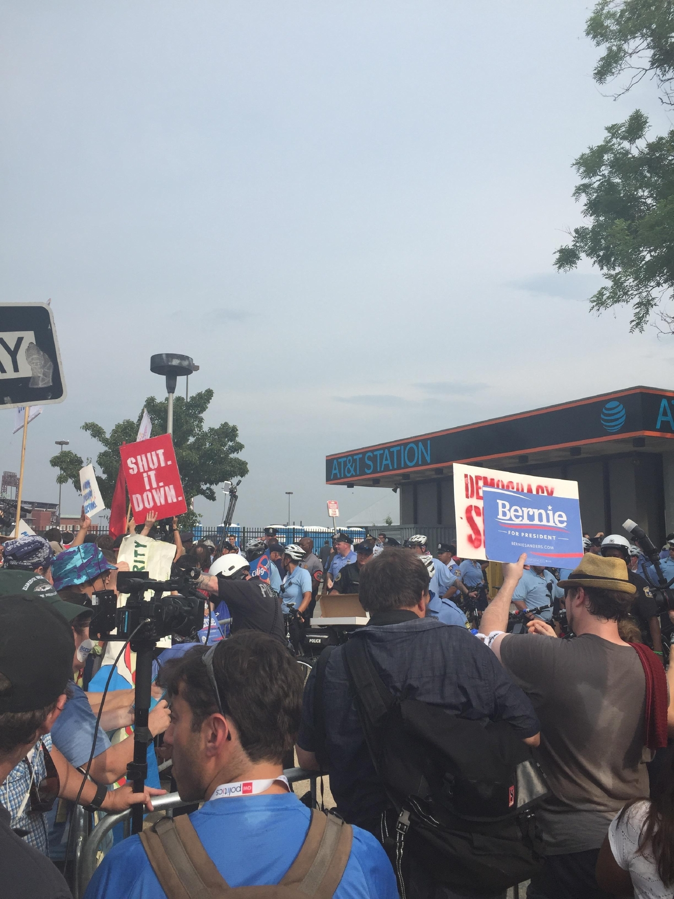 Protesters outside of the Democratic National Convention. (Amanda Ota, Sinclair Broadcast Group)