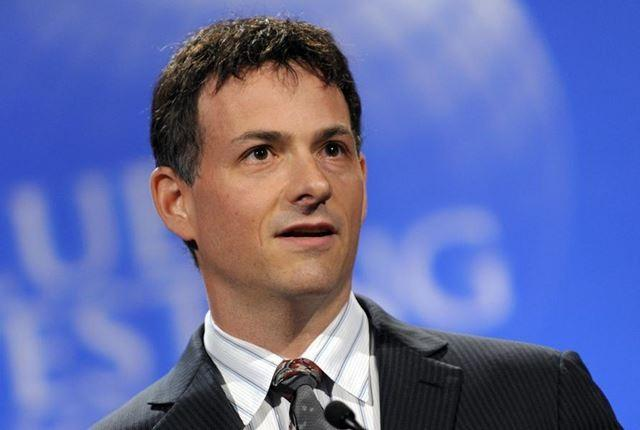 Age: 44Net Worth: $1.4 billionThe founder and head of hedge fund firm Greenlight Capital is known for sometimes successfully betting against companies like Allied Capital in 2002 and Lehman Brothers, ahead of its bankruptcy
