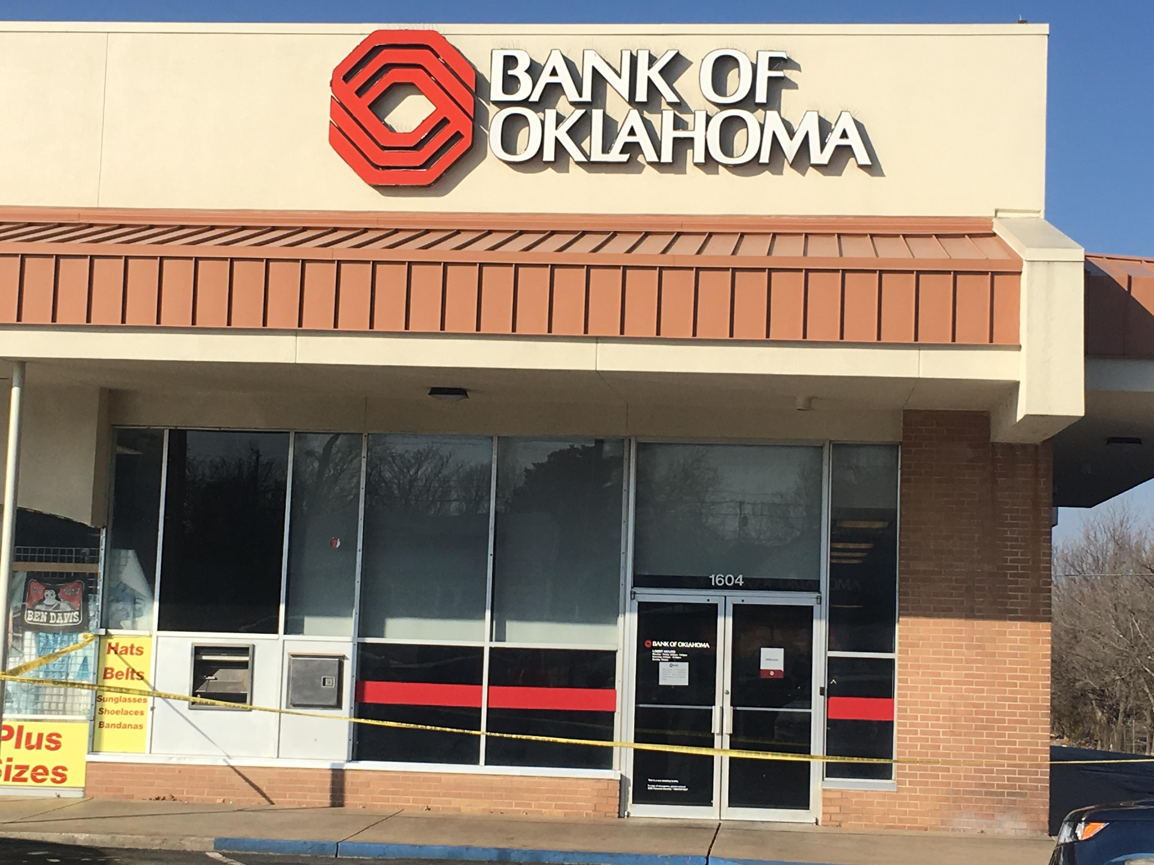 Officers responded around 9:30 a.m. to the Bank of Oklahoma near Pine and Lewis for an armed robbery call. (KTUL)